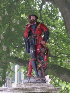 Un messager en tenue au XVe siècle
